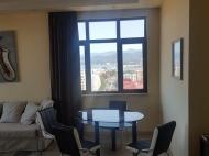 Квартира с современным ремонтом в новостройке Батуми,Грузия. Квартира с видом на море, город и горы в центре Батуми,Грузия. Фото 5