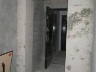 ოროთახიანი ბინა ბათუმის ცენტრში. სასწრაფოდ. ფოტო 2