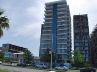Апартаменты в жилом комплексе гостиничного типа у моря в центре Батуми. 14-этажный элитный жилой комплекс у моря на ул.Леха и Марии Качинских в центре Батуми, Грузия. Фото 6