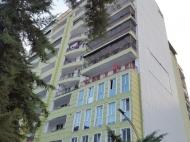 Новый жилой комплекс у моря в старом Батуми, Грузия. Новый жилой комплекс в центре Батуми на ул.Х.Абашидзе, угол ул.Горгиладзе. Фото 1
