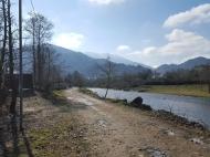Земельный участок на берегу реки Чарнали, Батуми. Фото 1