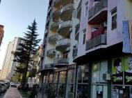 Новый жилой дом у моря в центре Батуми. Квартиры в новом доме у моря на ул.Горгасали в центре Батуми, Грузия. Фото 2