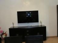 Продажа квартиры в новостройке Батуми. Квартира с ремонтом и мебелью в тихом районе Батуми, Грузия. Фото 2