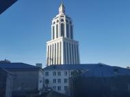 Купить квартиру в красивой новостройке у Sheraton Batumi Hotel. Квартира в новом красивом доме у отеля Шератон в центре Батуми, Грузия. Фото 1