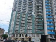 18-этажный шикарный дом на ул.Пушкина, угол ул.Джавахишвили, в центре Батуми. 350-400 метров от моря. Купить квартиру в новостройке Батуми на берегу моря. Фото 2