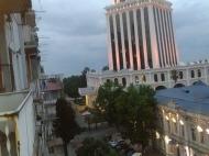 Посуточная аренда квартир у отеля Шератон в центре Батуми, Грузия. Sheraton Batumi Hotel. Фото 1