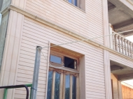 სახლი მიწის ნაკვეთით თბილისში. ფოტო 10
