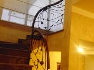 Элитный дом с дорогим ремонтом в Старом Батуми Фото 17