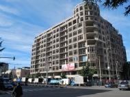 Новостройка у моря в центре Батуми. 10-этажный элитный комплекс на ул.Чавчавадзе и ул.Лука Асатиани в Батуми, Грузия. Фото 1