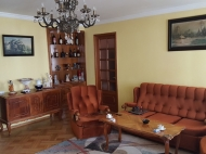 Renovated flat for sale in the centre of Batumi, Georgia. The apartment has modern renovation and furniture and fireplace. Photo 4