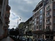 Новостройка в центре Батуми. 6-этажный дом в элитном районе Батуми у моря на ул.М.Абашидзе, угол ул.Л.Асатиани. Фото 1
