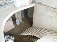 იყიდება ბინა ზღვისპირა ბულვართან, ქალაქ ბათუმის ცენტრში საქართველო. ფოტო 6