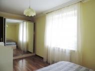 Аренда квартиры в центре Батуми у парка. Снять уютную квартиру с ремонтом в старом Батуми. Фото 1