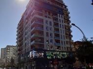 Апартаменты в элитной новостройке у моря в центре Батуми. 15-этажный элитный жилой комплекс у моря на ул.Горгиладзе, угол ул.Такаишвили в центре Батуми, Грузия. Фото 4