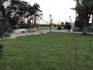 Новостройка на берегу моря в центре Кобулети. Квартиры в новом жилом доме на берегу моря в центре Кобулети, Грузия. Фото 12