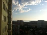 """Желающим купить квартиру в Батуми у моря в сданной новостройке. На 22 этаже вращающийся ресторан """"VOX"""". До моря 550 метров. Фото 2"""