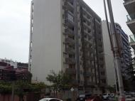 Квартиры в новостройке. 13-этажный дом в престижном районе Батуми, на углу ул.В.Горгасали и ул.С.Химшиашвили. Фото 1