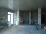 გასაყიდი ბინა ახალ აშენებულ სახლში ბათუმში. ფოტო 1