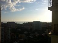"""Желающим купить квартиру в Батуми у моря в сданной новостройке. На 22 этаже вращающийся ресторан """"VOX"""". До моря 550 метров. Фото 1"""