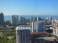 Купить квартиру у моря на новом бульваре в Батуми в престижном доме. Фото 2