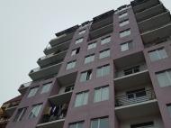 Новостройка в Батуми. 10-этажный новый жилой дом на ул.Табидзе в Батуми, Грузия. Фото 1