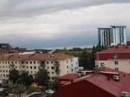 Квартира с дорогим ремонтом и мебелью в центре Батуми. Квартира в новостройке с видом на море и город Батуми,Грузия. Фото 1