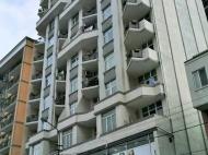 ახალმშენებარე სახლი, ელიტური კომპლექსი ზღვასთან ქალაქის ცენტრში წერეთლისა და იმედაშვილის ქუჩების გადაკვეთა. ფოტო 2