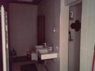 Квартира в новостройке у моря в старом Батуми, Грузия. Купить квартиру на Приморском Бульваре у отеля Шератон, Sheraton Batumi Hotel. Квартира с  современным ремонтом. Фото 2