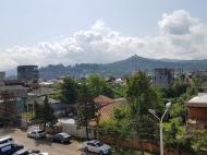 Квартира с видом на горы в тихом районе Батуми, Грузия. Фото 11