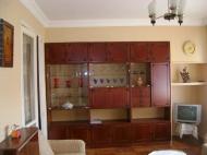 Квартира по выгодной цене и красивым ремонтом у моря в Батуми Фото 2