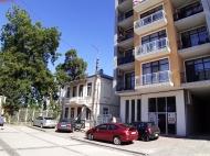 Новый жилой дом у парка 6 Мая в центре Батуми. Квартиры в новостройке у моря на ул.Такаишвили в старом Батуми, Грузия. Фото 2