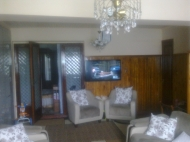 Продажа квартиры в Батуми.Два входа в квартиру. Фото 2