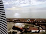Посуточная аренда квартиры у моря в Батуми. Квартира с видом на море и танцующие фонтаны Батуми, Грузия. Апартаменты в новом жилом комплексе. Фото 1
