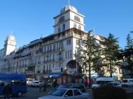 New building in Chavchavadze St., Batumi, Georgia. Prestige district, at the seaside. Buying property in a new building in the prestigious district of Batumi with sea views. Photo 1