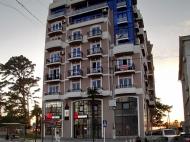 Жилой комплекс на берегу Черного моря в Кобулети. Апартаменты с видом на море в жилом комплексе у моря в центре Кобулети, Грузия. Фото 2
