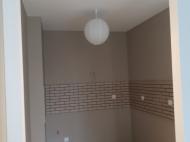 Flat for sale at the seaside Batumi, Georgia. The apartment has modern renovation and furniture. Photo 11