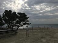 Участок на пляже у моря в Кобулети, Грузия. Фото 2