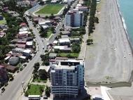 Новостройка на берегу моря в центре Кобулети. Квартиры в новом жилом доме на берегу моря в центре Кобулети, Грузия. Фото 4