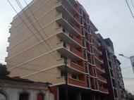 Квартиры по цене застройщика в новостройке у моря в центре Батуми. 8-этажный дом на ул.9 марта угол ул.Чавчавадзе в центре Батуми, Грузия. Фото 4