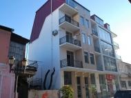 Жилой дом в старом Батуми на ул.Мазниашвили, угол ул.Ц.Парнаваза. Квартиры в новостройке в центре Батуми, Грузия. Фото 4