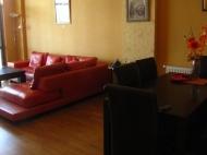 Арендовать квартиру в центре Тбилиси. Снять квартиру в новостройке Тбилиси. Вид на горы. Фото 11