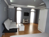 Running elite hotel with ten modern rooms in the centre of Batumi. For 24-hours, or longer periods of stay. Located in the region of artists. Photo 11