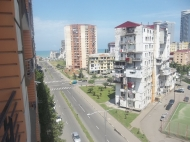 Аренда квартир посуточно в Батуми.Снять квартиру с видом на море и на горы. Фото 1