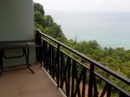 Гостиница на 22 номера с видом на море в центре Квариати, Аджария, Грузия. Фото 4