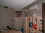 Продажа красивого офиса в старом Батуми. Купить офис с ремонтом и мебелью в сданной новостройке Батуми, Грузия. Фото 4