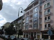 Новостройка в центре Батуми. 6-этажный дом в элитном районе Батуми у моря на ул.М.Абашидзе, угол ул.Л.Асатиани. Фото 2