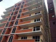 Квартиры по цене застройщика в новостройке у моря в центре Батуми. 8-этажный дом на ул.9 марта угол ул.Чавчавадзе в центре Батуми, Грузия. Фото 1