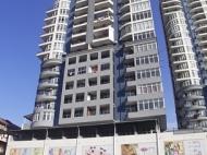 Квартиры в новостройке Батуми по ценам от застройщика. 31-этажный дом у моря в Батуми на углу ул.Т.Абусеридзе и ул.Джавахишвили. Фото 9