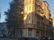 Новый жилой дом в старом Батуми. Квартиры в новом красивом доме у отеля Шератон в центре Батуми, Грузия. Фото 3