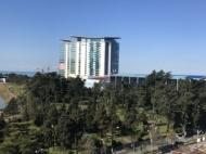 Апартаменты в элитном жилом комплексе у моря в центре Батуми. 10-этажный элитный жилой комплекс на ул.Клдиашвили, угол ул.Меликишвили в Батуми, Грузия. Фото 7